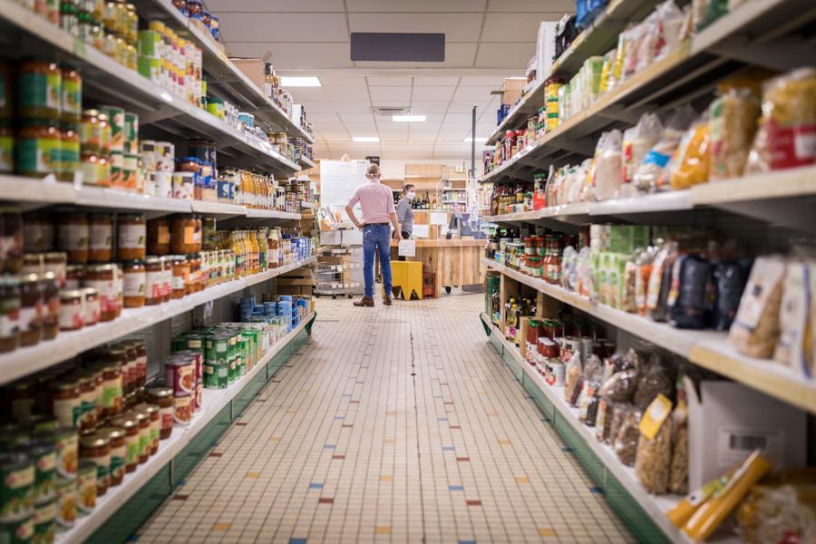 Breizhicoop - visions de l'épicerie coopérative de Rennes : allée centrale